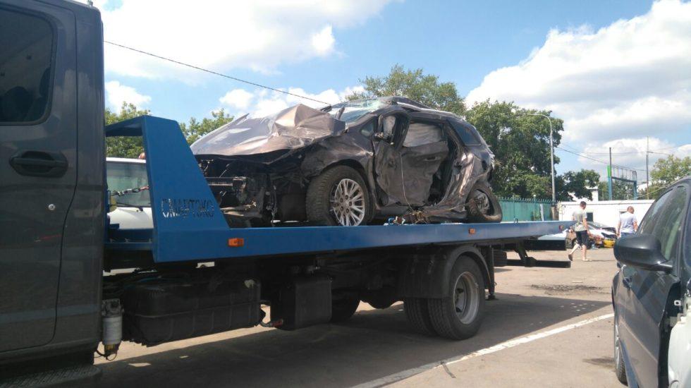 Вызов эвакуатора: какие правила следует учесть при погрузке машины